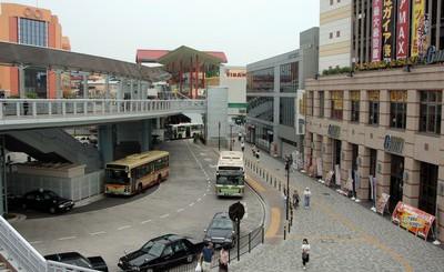 小田急線、相鉄線海老名駅