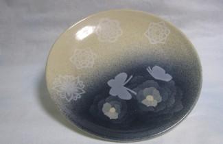 蝶牡丹絵図大皿